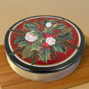 "10"" Shoofly Pie in Christmas Tin"