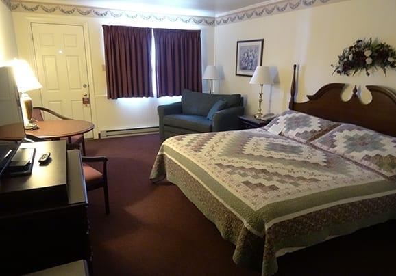 King Room at Amish Country Motel