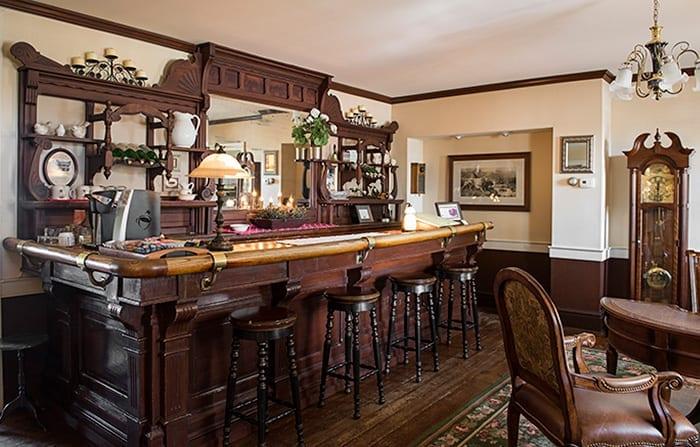 Lounge at Family Inn