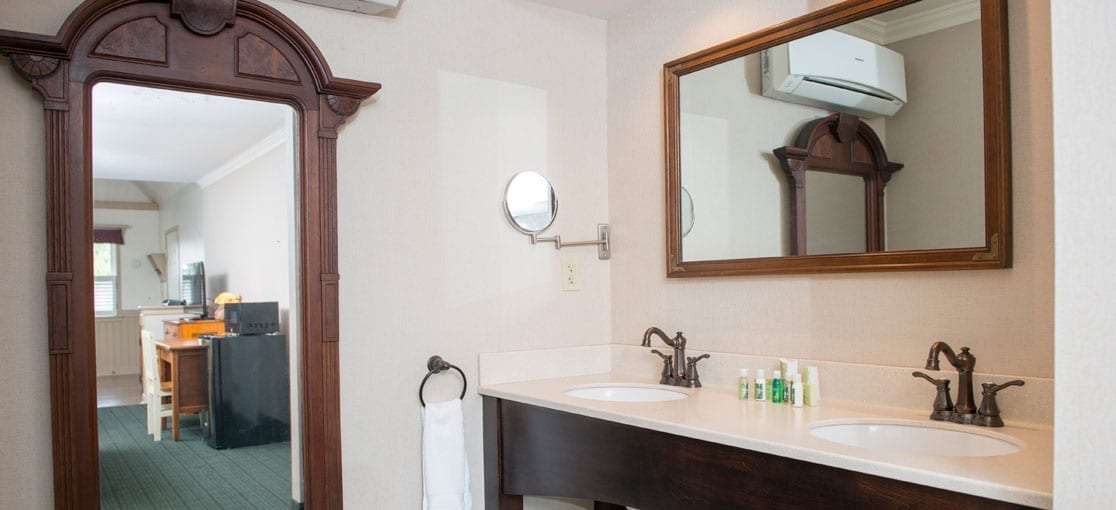 Mirrors in Schoolhouse Suite